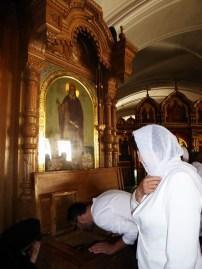 11 Sf Antipa de Calapodesti, singura racla din biserica Man Valaam