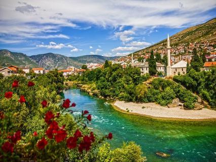 holidayme_bosnia_herzegovina_feature_shutterstock_639979378