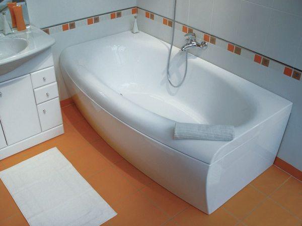 Чем мыть акриловую ванну, каким моющим средством удалить ...