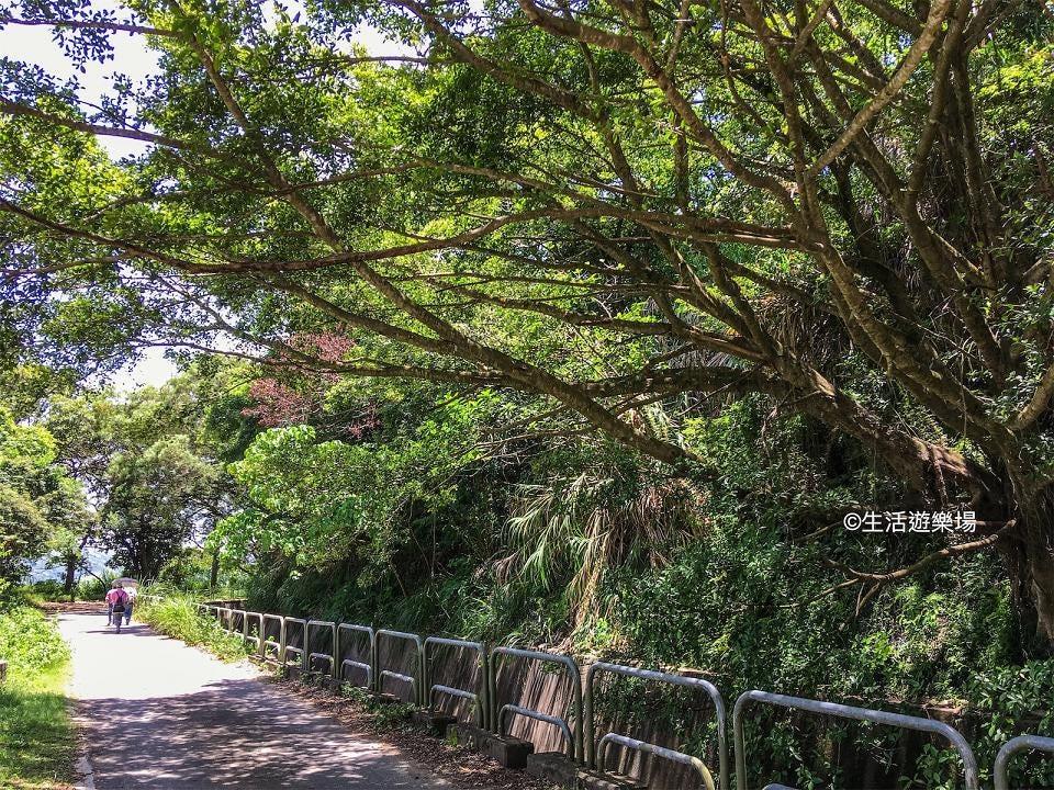 元朗:清潭水塘. 行山好處多,包括認識香港八個灌溉水塘,最新到訪的係清潭水塘。全程行石屎路,伴隨遼 ...