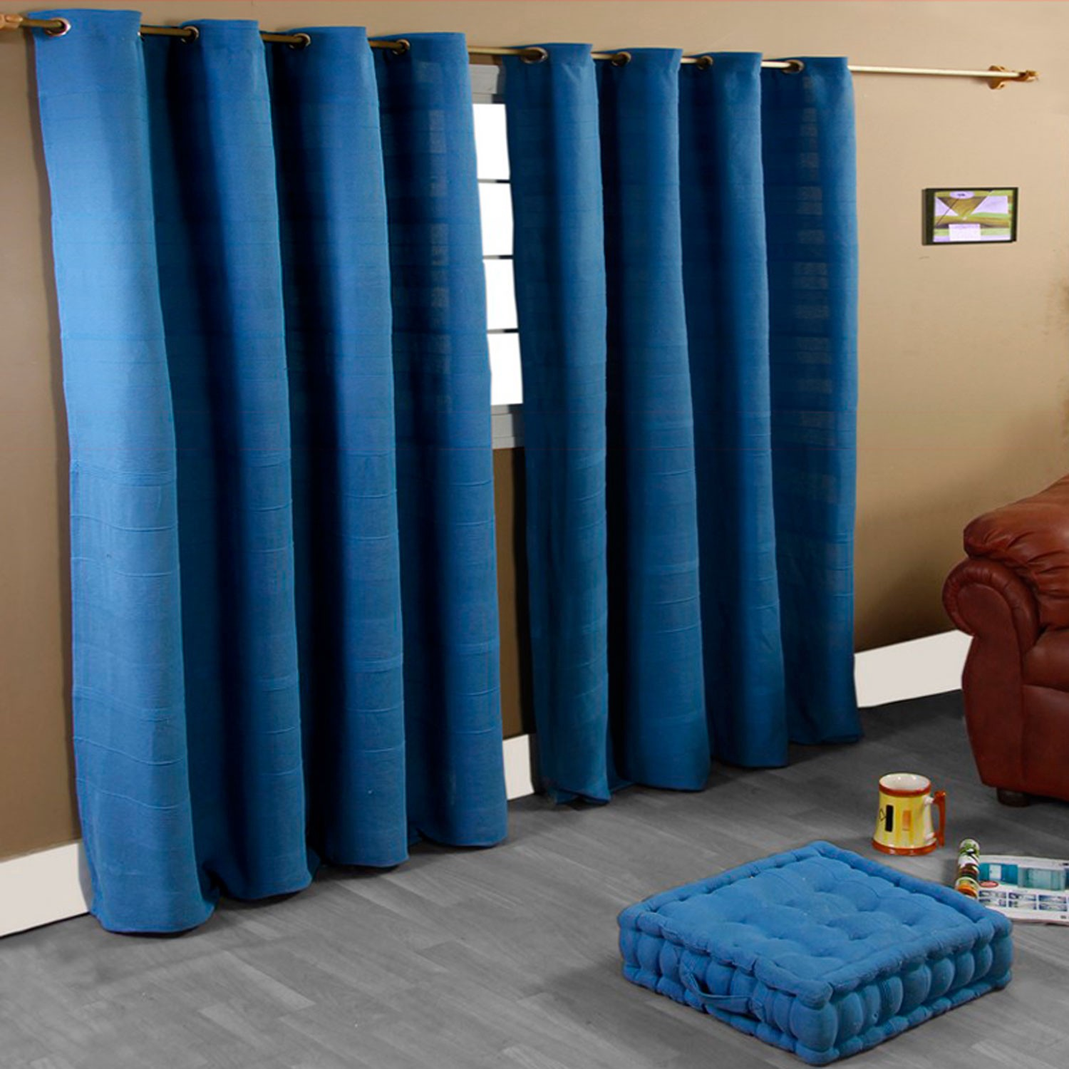 how to isolate your room with curtains