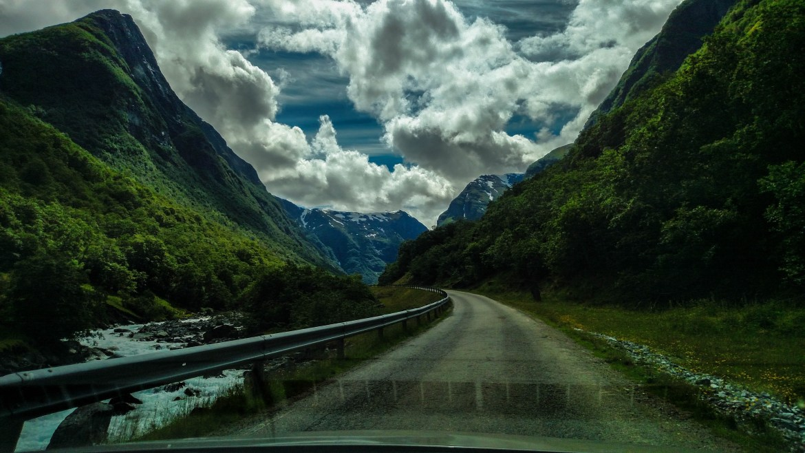 Drive from Flam to Undredal