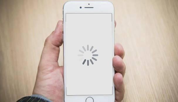 مشاكل الهاتف الذكي الأكثر شيوعًا - تجمد وبطء الهاتف