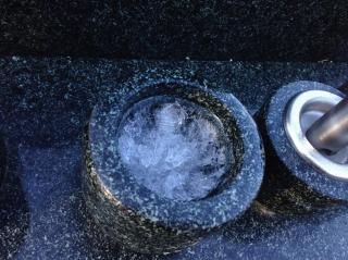 個別墓の氷