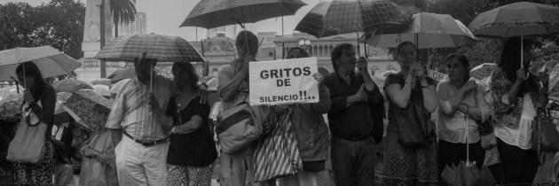 El Relato es Salvaje: La crisis del gobierno argentino, la muerte de Nisman, y las elecciones de 2015