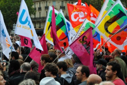 A demonstration of the French union leaders in 2010. Source: http://bit.ly/2fC67uH