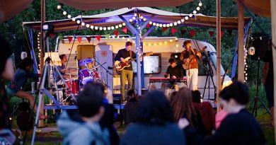 Kulturbühne: Sommernacht Musik mit Götz Rausch & Die Fliegenden Bauten