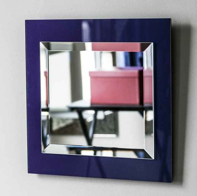 A blue purple Mirror