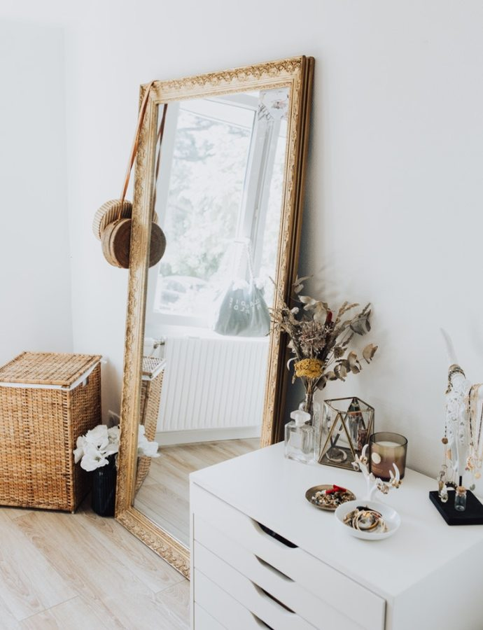 Find the Perfect Gold Mirror