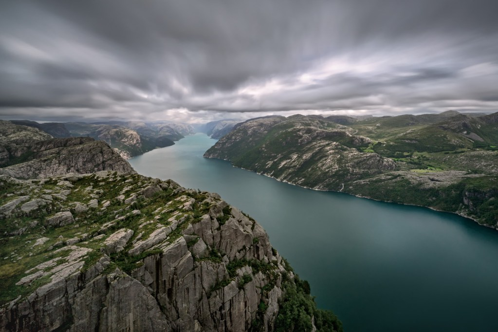 Blick in den Lysefjord in Norwegen