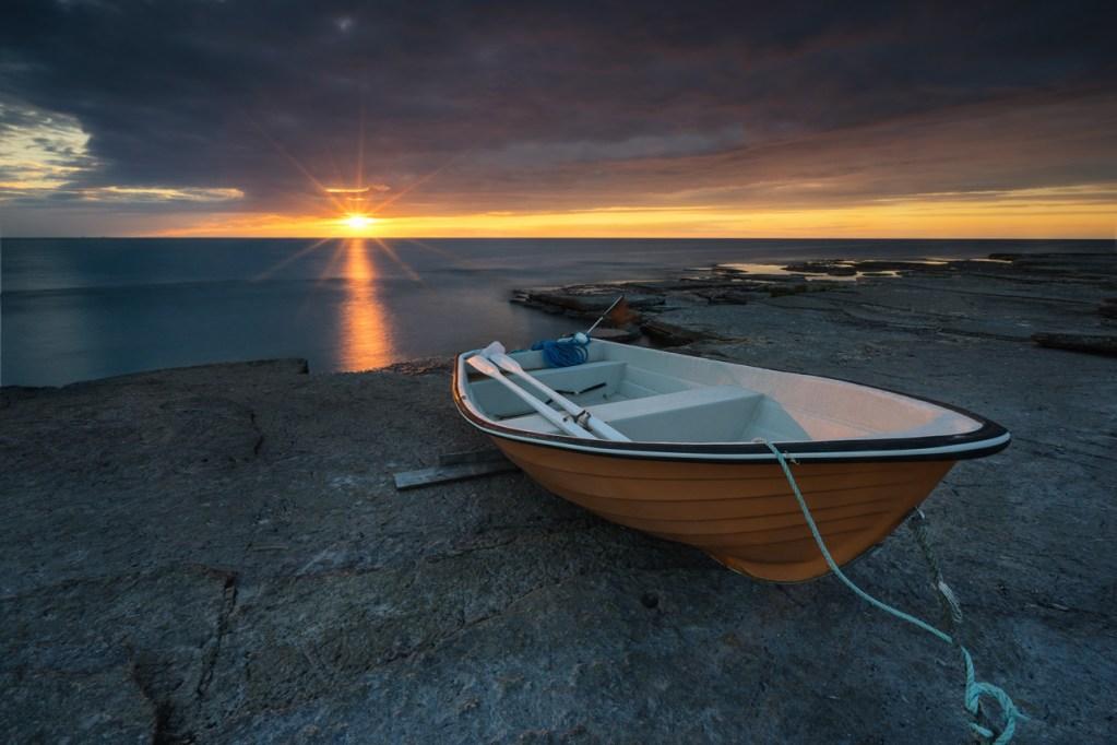 Ein Boot bei Neptuni Åkr in Schweden auf Öland