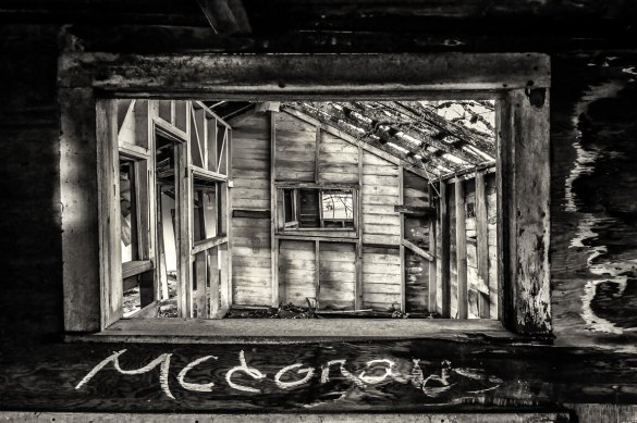 Abandoned house bw