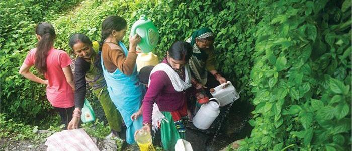 उत्तराखंड के कई इलाकों में हो रही है पानी की किल्लत, त्रिवेन्द्र सरकार ने अब उठाया है ये कदम
