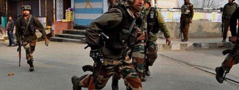 कश्मीर में बड़ा आतंकी हमला, एक दर्जन से ज्यादा जवान शहीद, कई घायल