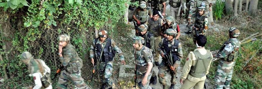 बड़ी कार्रवाई शुरू, घाटी में पांच आतंकी ढेर, रक्षामंत्री और तीनों सेनाप्रमुखों की महत्वपूर्ण बैठक