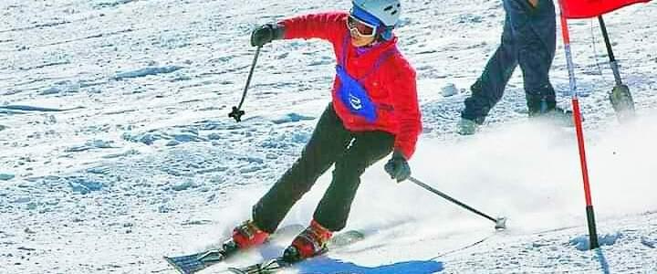 वंदना पंवार ने कड़ी मेहनत और जिद के जरिए स्कीइंग में लहराया परचम, प्रेरणास्रोत बनी पहाड़ की बेटियों के लिए