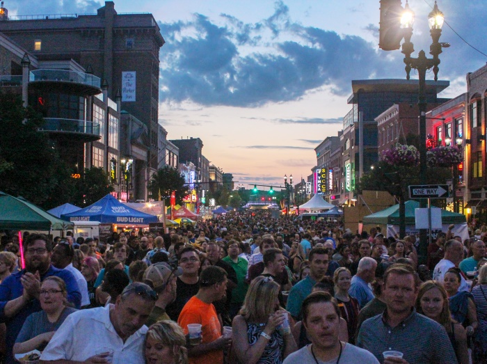 Smash Mouth Plays Schenectady Summer Nights