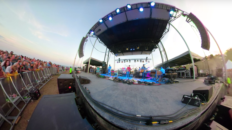 "Umphrey's McGee Release a 360 Degree Video For Their Song ""40's Theme"""