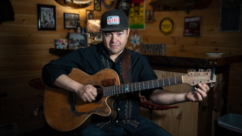 "VIDEO: Rich Ortiz Performs Phish's ""Dog Faced Boy"""