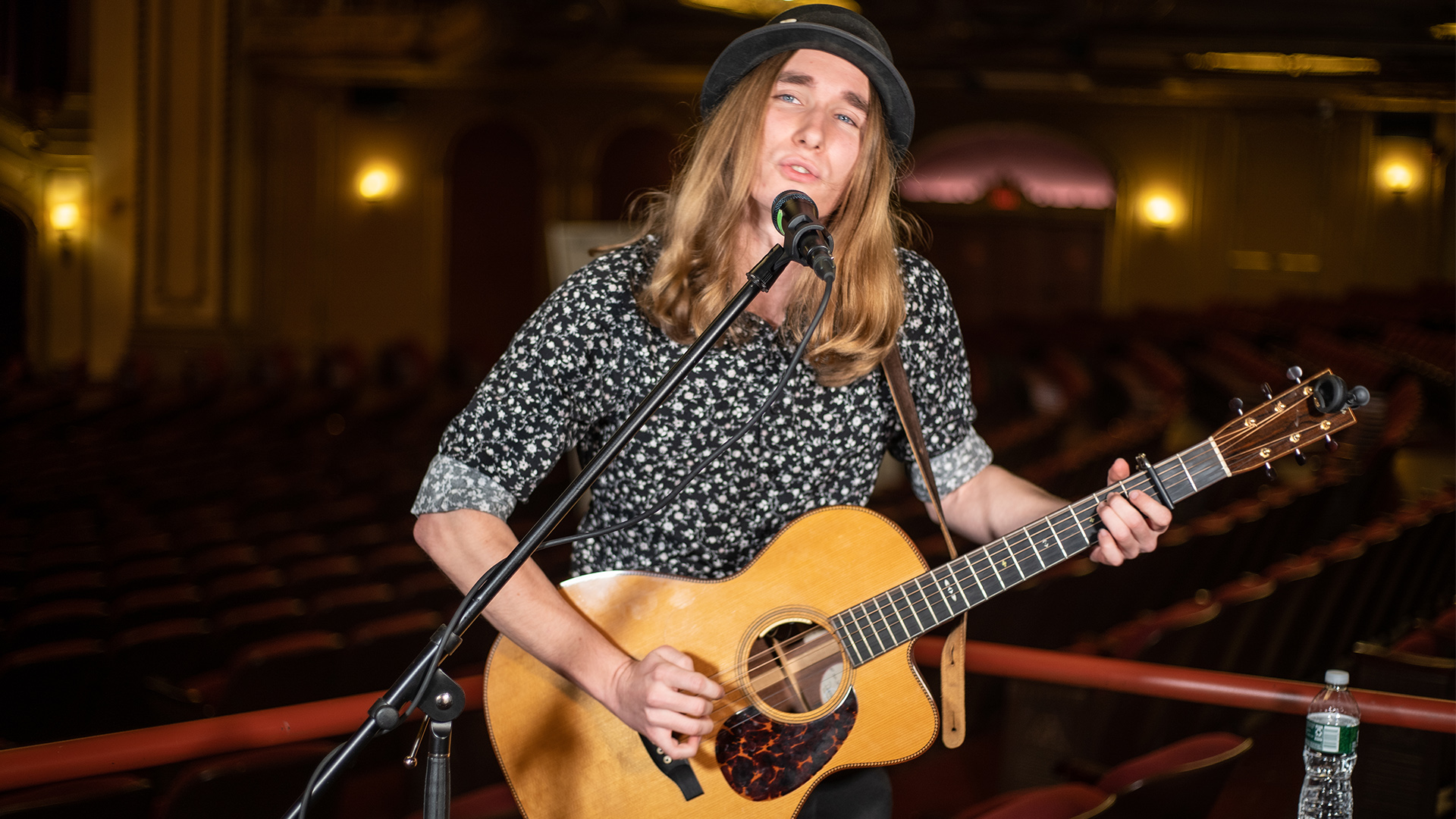 """VIDEO: Sawyer Fredericks Performs """"Amen"""" Live at the Palace Theatre in Albany, NY"""