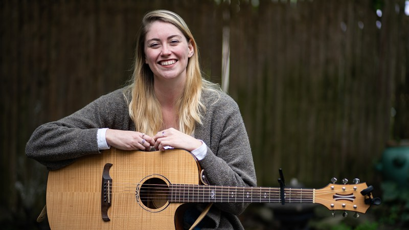 VIDEO: Courtyard Sessions | Caity Gallagher