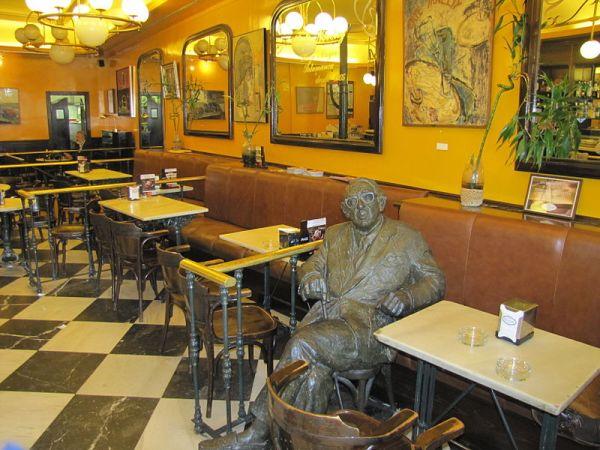 Haiku: Cafe Conversations... Cafe Novelty Eavesdropping