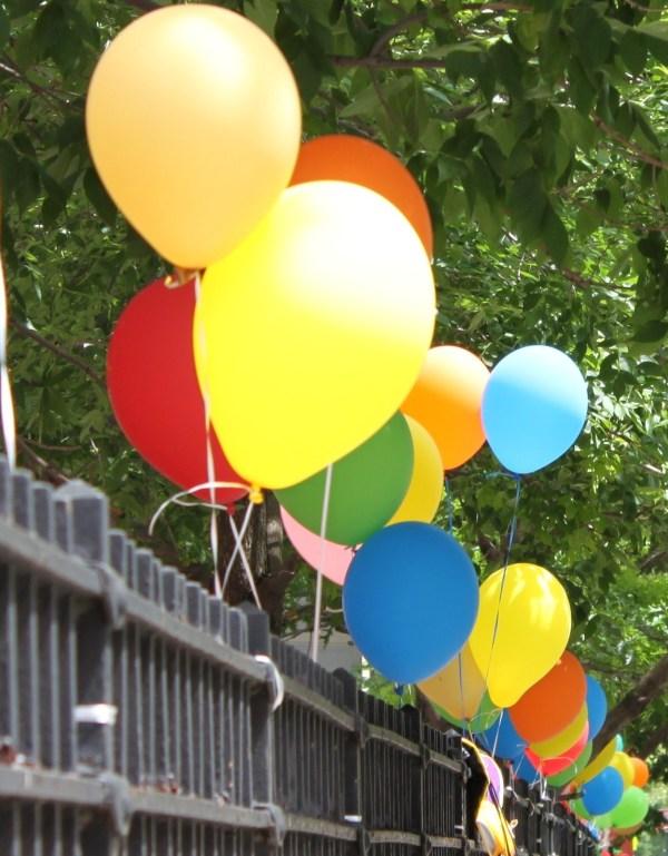 Motivation Mondays: Joy! - Share the colorful  balloons!