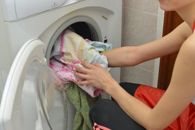 色物の洗濯初めての場合の色移り防止法は?何回洗えば色移りしない?