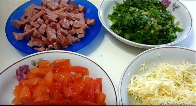lavash-s-kolbasoj-i-syrom-domashnij-recept