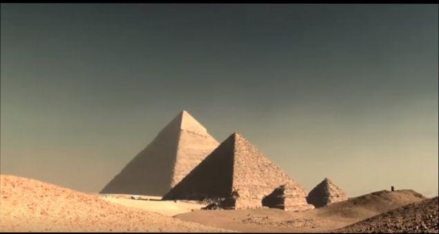 piramidy-egipta-kto-postroil-egipetskie-piramidy-gipotezy-fakty