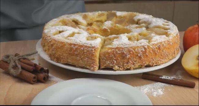 Яблочный пирог на кефире — классический рецепт