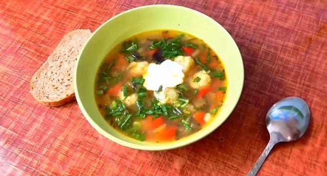 Суп с сырными фрикадельками - рецепт на мясном бульоне