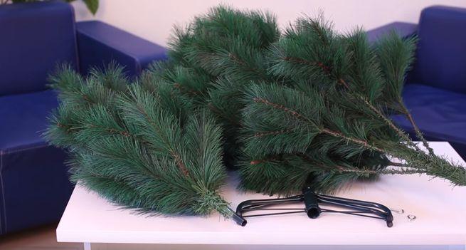 Из чего изготавливыют искусственные елки