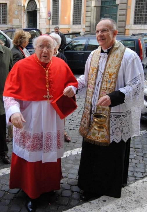 Cardenal Domenico Bartolucci.