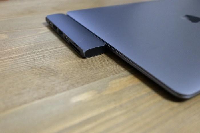 MacBook Air 2018にも接続可能