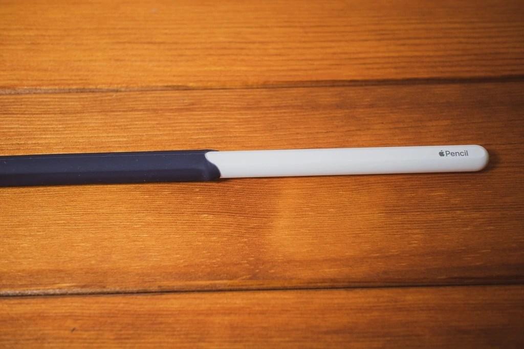 AhaStyle Apple Pencil シリコン保護ケースを装着
