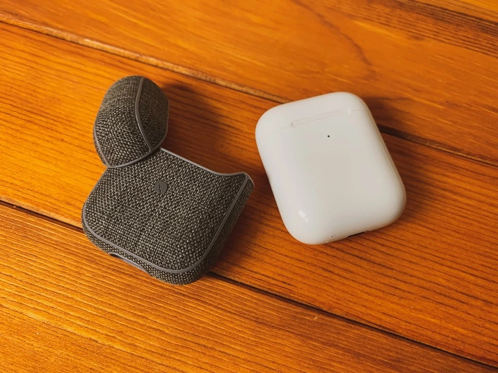 Incase AirPods Case with Woolenexはおしゃれなケース