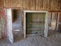 Deserted Shelf, Kolmanskop