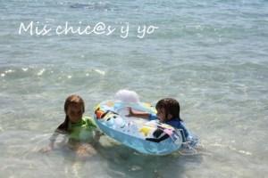 Niños sol playa
