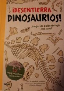 ¡Desentierra dinosaurios! Juegos de paleontología con papel