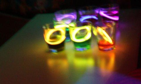 xilófono con copas de luz