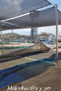 Redes de pescadores del puerto de Barcelona
