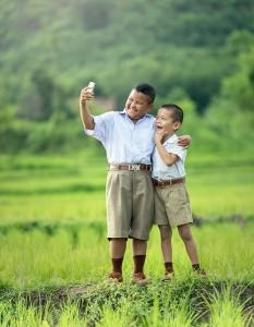 móvil uso niños