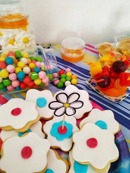 Galletas y chuches, fiesta hippie