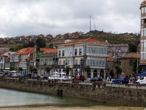 Casas vistas desde el paseo marítimo
