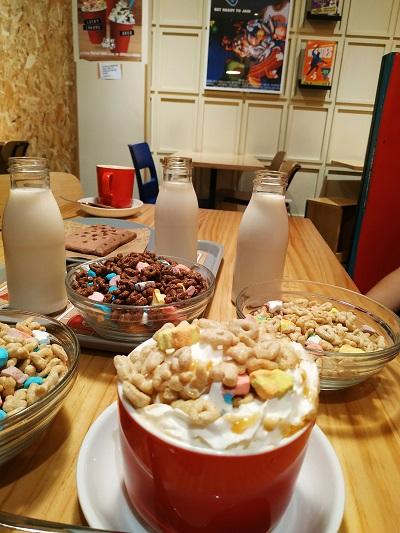 Bowls de cereales con leche