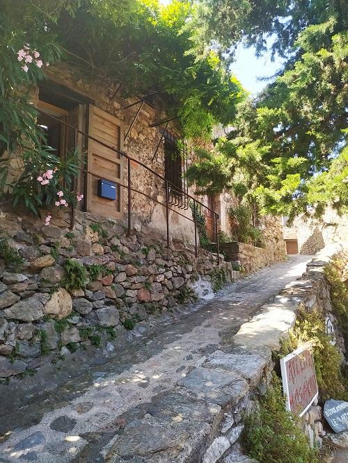 Casas de piedra, Castellnou