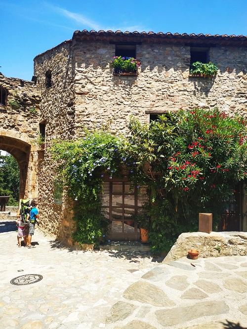 Castellnou, pLaza
