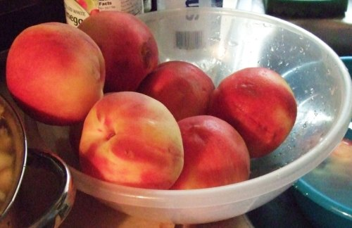 peaches-in-bowl