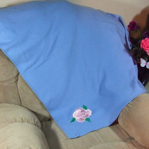 Pink rose blanket throw for the sofa couch on blue fleece